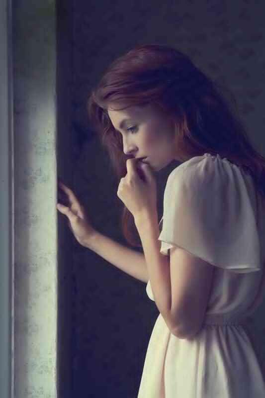 sad-gitl-thinking-missing-lovesove.jpg